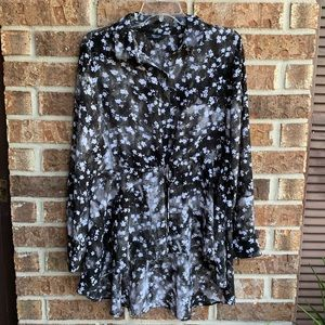 Simply Vera sheer high-low tunic style